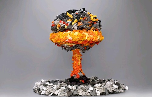14 amazing works of art made from common waste rubbish please for Waste things art