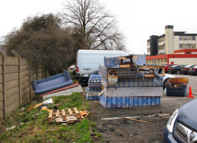 Fly-tipping_at_the_Selby_Centre