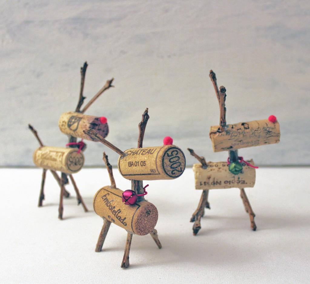 Making christmas decorations using recycled materials - Wine Cork Raindeer